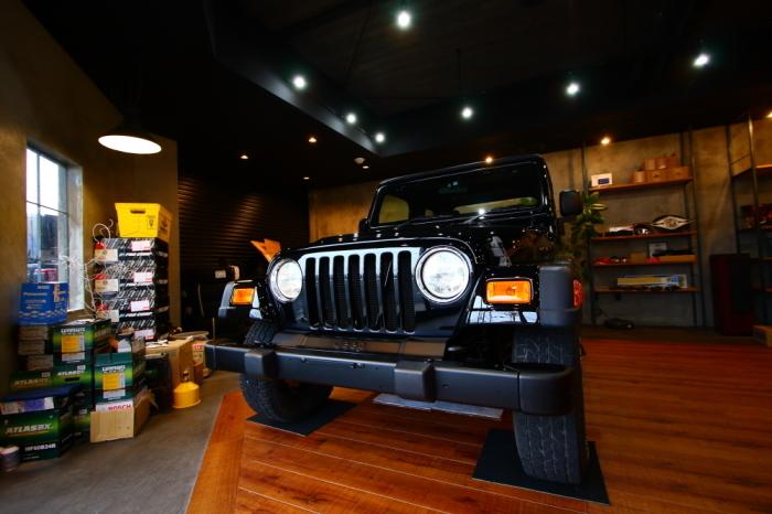 ブラックTJ外装作業完了からライトカーキも仕上げ開始_f0105425_18120742.jpg