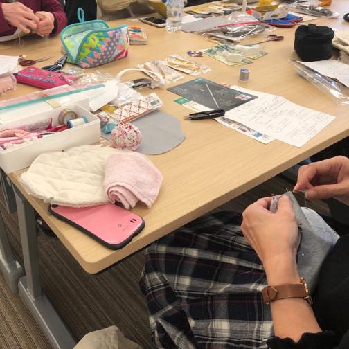キルトジャパン『手縫いで作るがま口ポシェットWS』素敵な作品が完成♪_f0023333_20493299.jpg