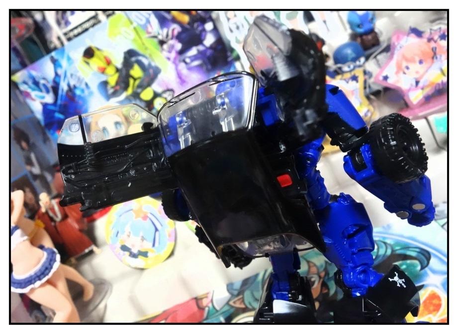 """戦闘機シャッター発売前に""""出来が良い方""""のドロップキックで遊んでおく!!_f0205396_19371567.jpg"""