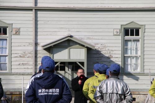 重要文化財・旧米沢高等工業学校本館にて消防訓練を行う_c0075701_11045889.jpg