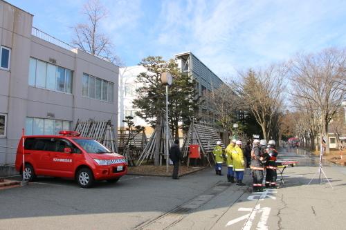 重要文化財・旧米沢高等工業学校本館にて消防訓練を行う_c0075701_11065509.jpg