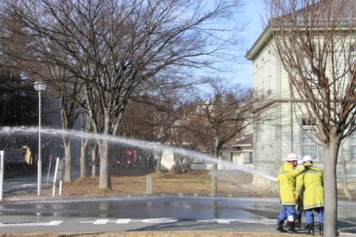 重要文化財・旧米沢高等工業学校本館にて消防訓練を行う_c0075701_11071135.jpg