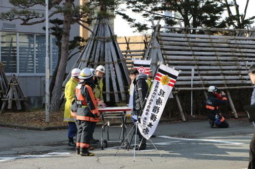 重要文化財・旧米沢高等工業学校本館にて消防訓練を行う_c0075701_11072025.jpg