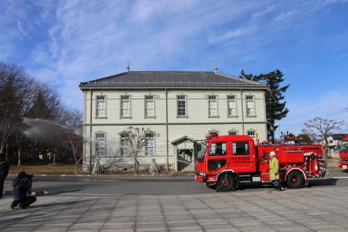 重要文化財・旧米沢高等工業学校本館にて消防訓練を行う_c0075701_11080185.jpg