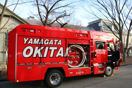 重要文化財・旧米沢高等工業学校本館にて消防訓練を行う_c0075701_11092324.jpg