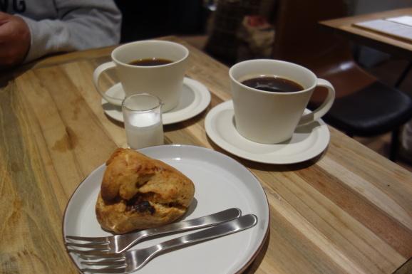 WOODBERRY COFFEE ROASTERSさんでスコーンとパンケーキ_e0230011_16501771.jpg