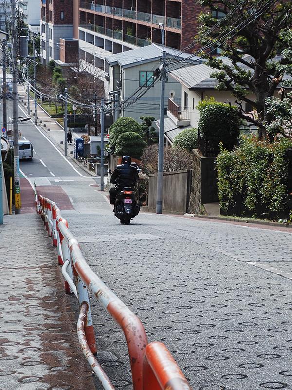 Hello from Tokyo 115 雑司が谷の坂_a0003650_22263565.jpg