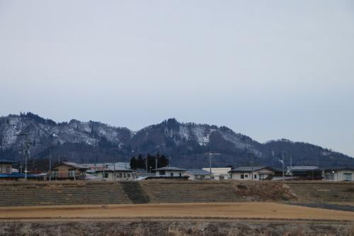 雪のない米沢の街を、工学部キャンパスより万里橋経由自宅へ_c0075701_17343573.jpg