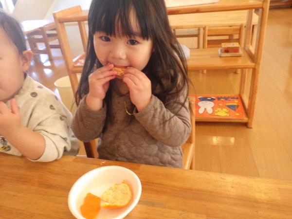 乳児食育:みかんの皮むき_e0319922_16291703.jpg