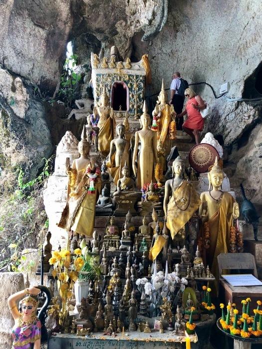 """ラオスの旅 17 絶壁の洞窟 """"パークウー洞窟""""@メコン川クルーズ_a0092659_15541719.jpg"""