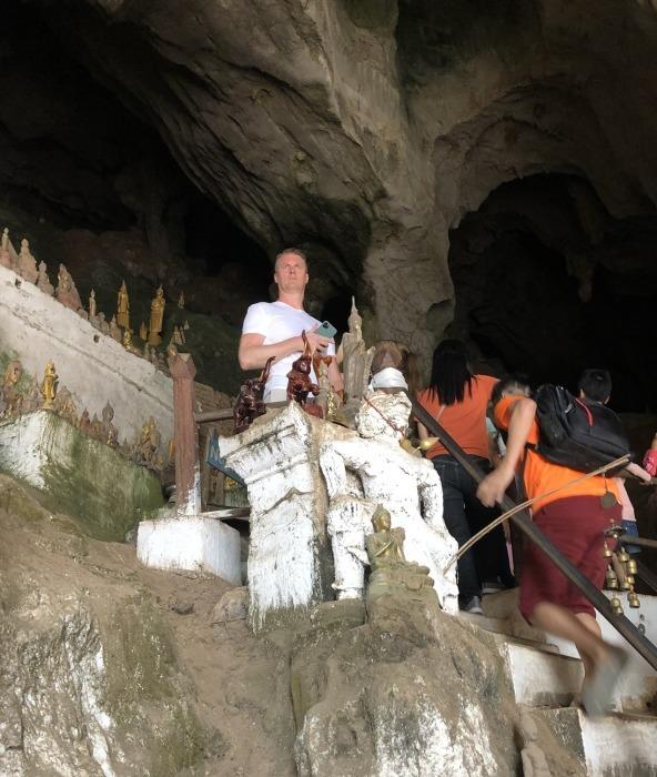 """ラオスの旅 17 絶壁の洞窟 """"パークウー洞窟""""@メコン川クルーズ_a0092659_15584613.jpg"""