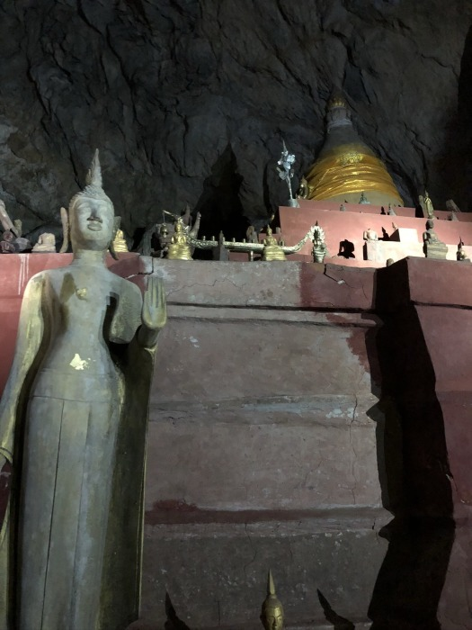 """ラオスの旅 17 絶壁の洞窟 """"パークウー洞窟""""@メコン川クルーズ_a0092659_16123008.jpg"""