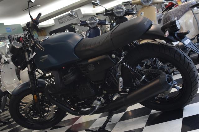 MOTO GUZZI V7Ⅲ ナイトパック  プンゲンテブルー入荷_d0099181_15020069.jpg