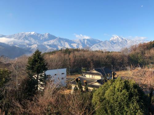 明日は平地でも、雪化粧しそうです。_d0338282_08402855.jpg