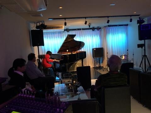 広島 ジャズライブカミン  Jazzlive Comin 本日の火曜日はセッションです。_b0115606_11033944.jpeg