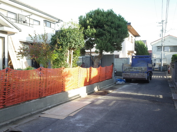木質化支援事業と危険ブロック塀の除却_b0142417_16095207.jpg