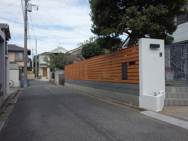 木質化支援事業と危険ブロック塀の除却_b0142417_16422003.jpg