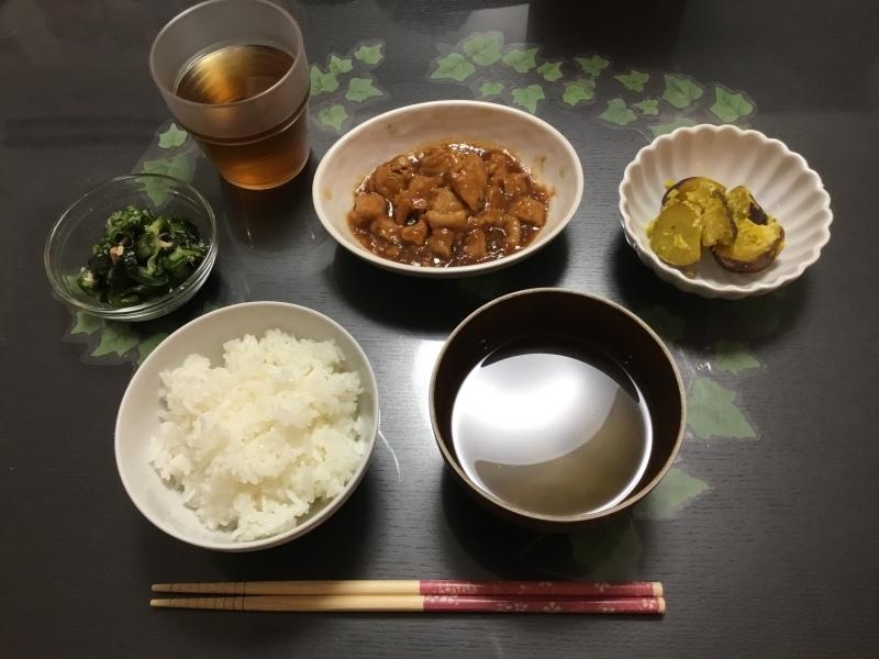 しらゆり荘 夕食 :  鶏の照り焼き、さつま芋甘露、きゅうりとツナの酢の物、御飯、味噌汁_c0357519_07165072.jpeg