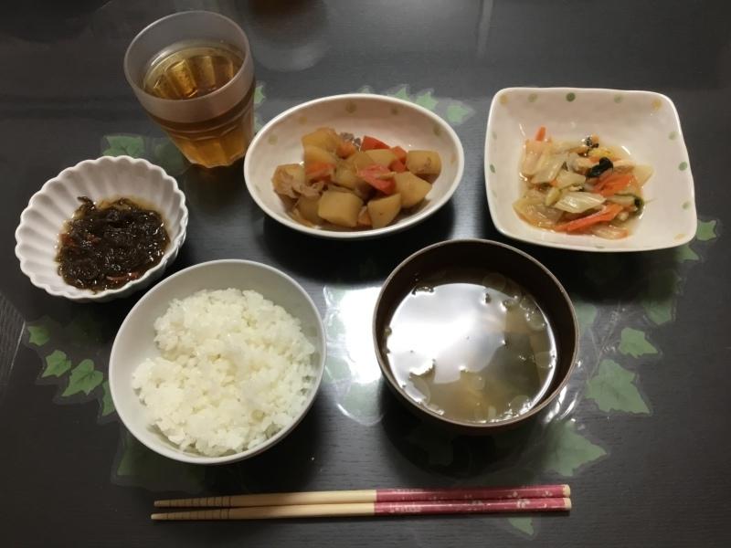 しらゆり荘 夕食 :  肉じゃが、白菜の煮浸し、柚子もずく、御飯、味噌汁_c0357519_22005071.jpeg
