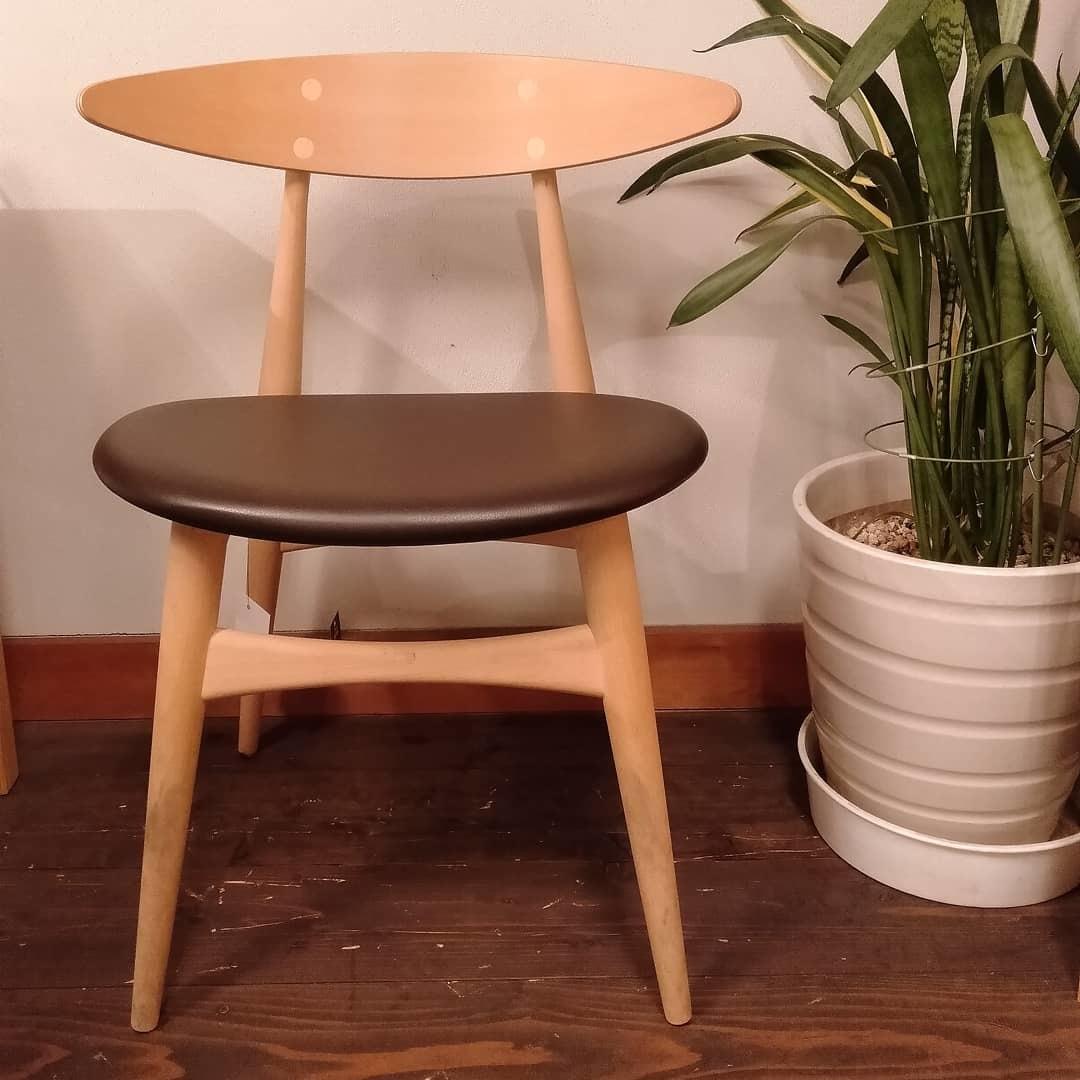 北欧の椅子『CH33P』_b0211845_15000553.jpg