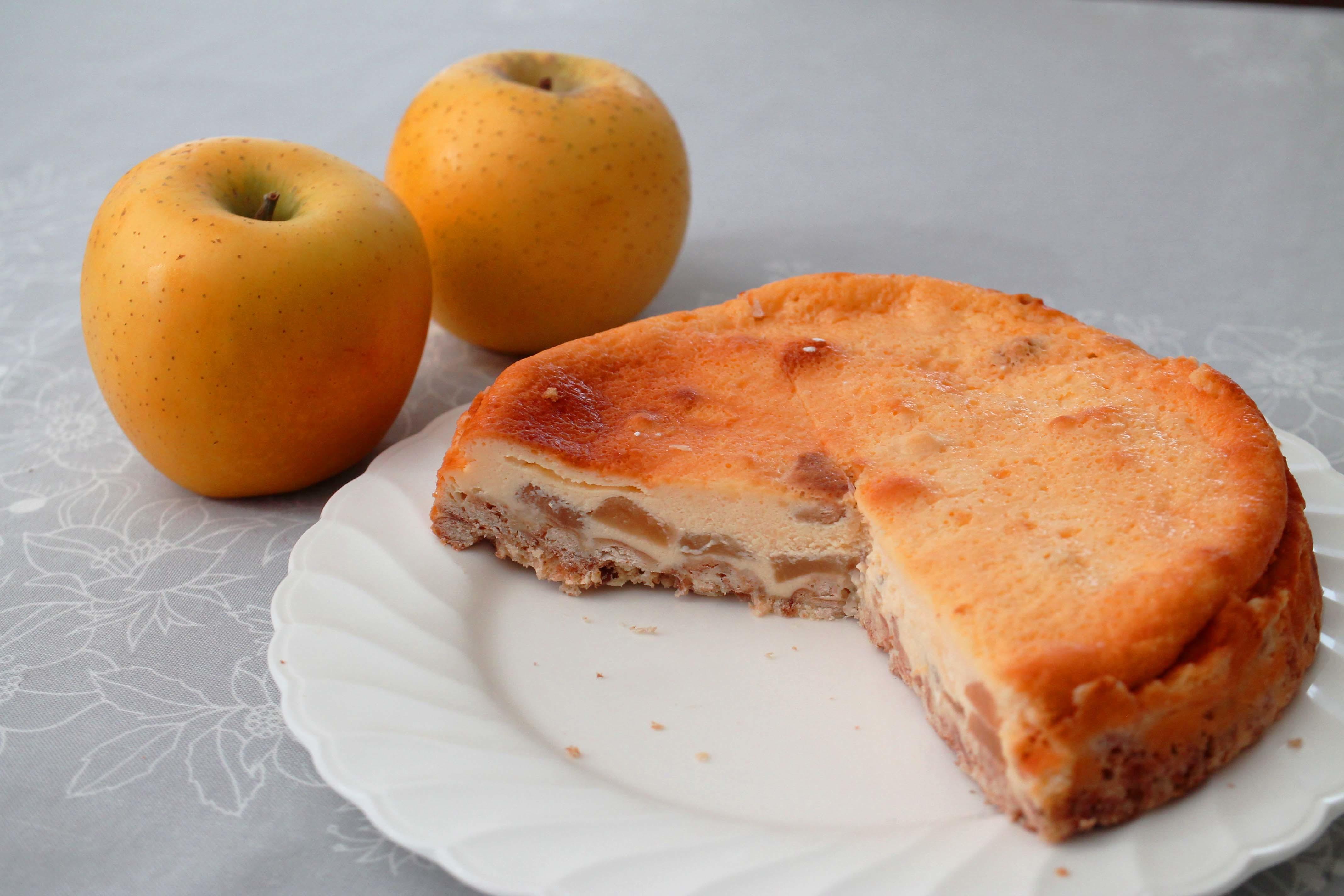 りんごのチーズケーキ_d0377645_00090375.jpg
