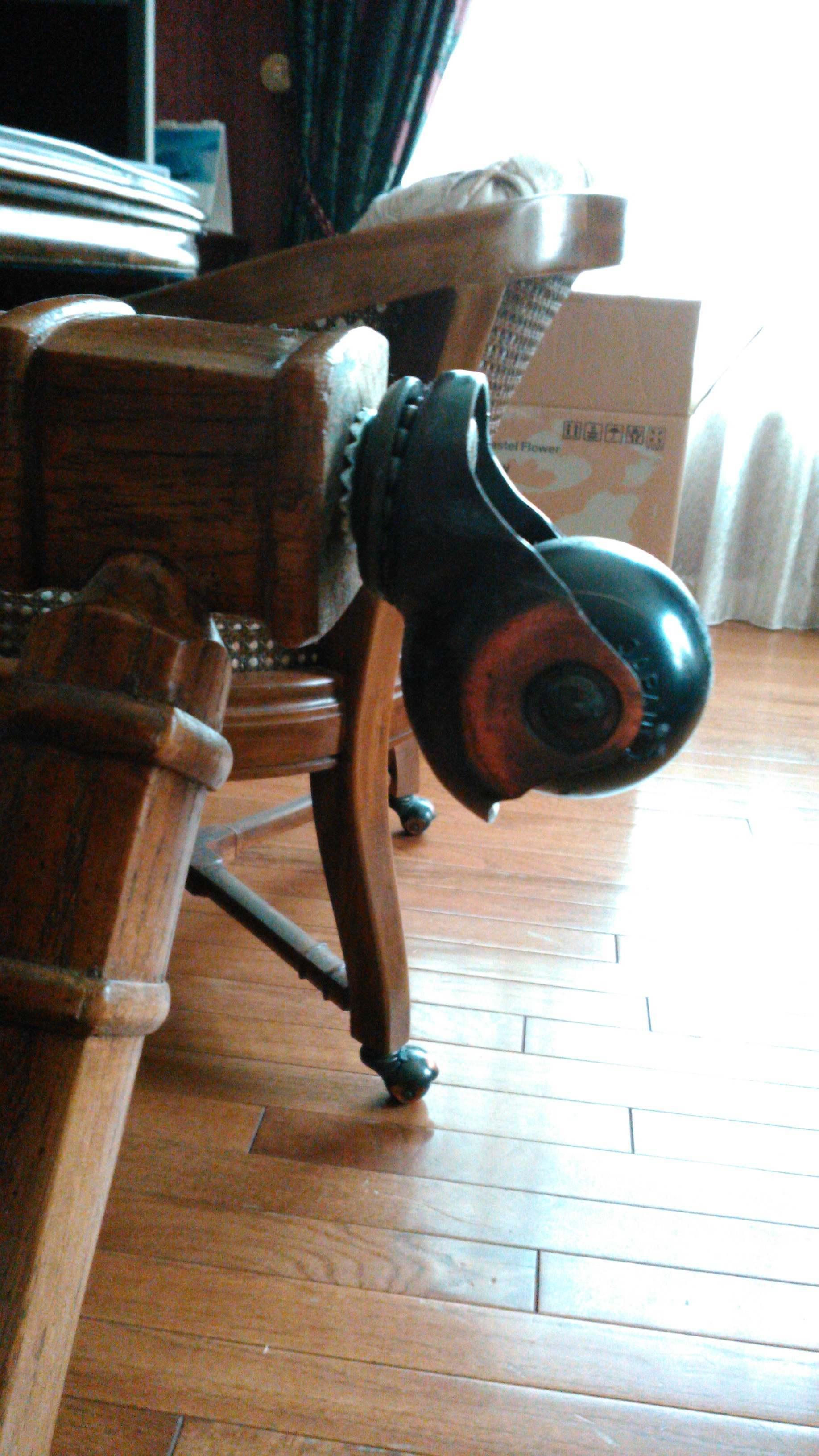 ダイニングチェア 修理 モリス正規販売店のブライト_c0157866_20262720.jpg