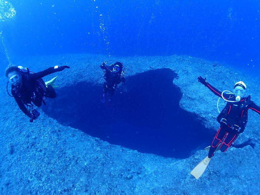 100本記念をグアムの青い海で~~♬     GUAM_e0184067_18073271.jpg