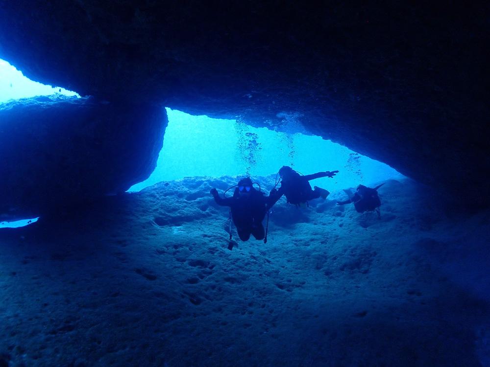100本記念をグアムの青い海で~~♬     GUAM_e0184067_18074036.jpg
