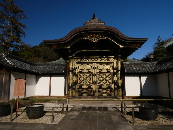 建長寺としらすたこ焼きと江ノ電_a0351368_22343872.jpg