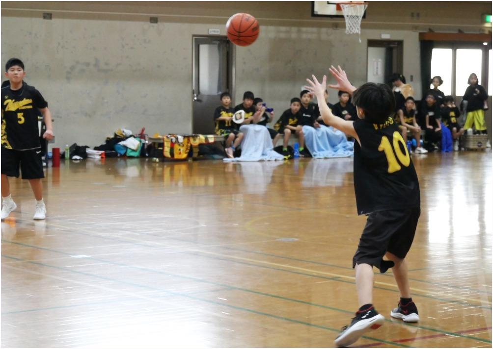 < バスケの練習試合 >_c0036080_22371318.jpg