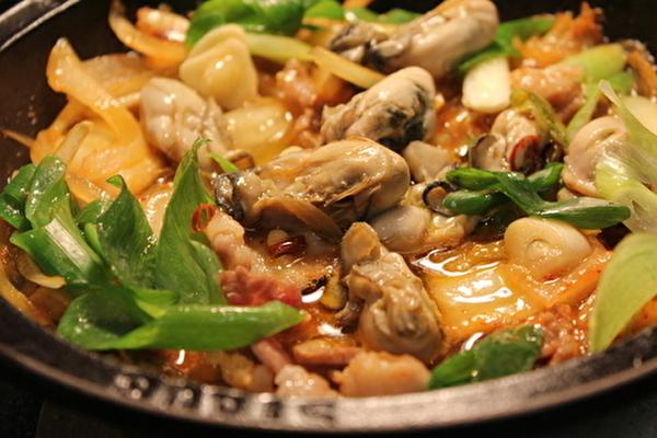 牡蠣の麻婆豆腐と、作りおきの牡蠣のオイル漬けのおはなし。_a0223786_15125228.jpg