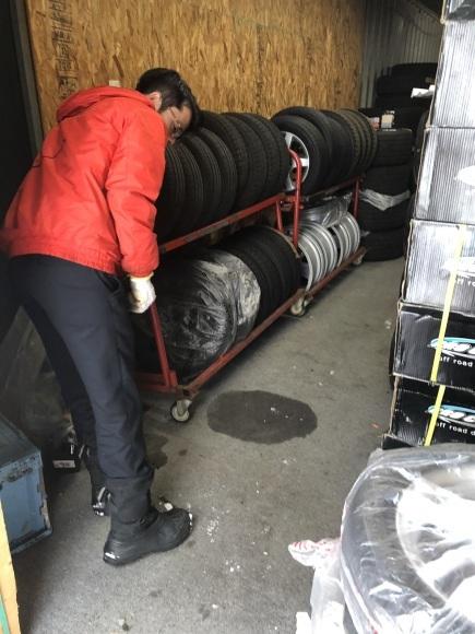 1月29日(水)本店ブログ♪ アウディ TT 29年車 ワンオーナー✊ 45000キロ人気の黒✊ 入庫しました _b0127002_18362708.jpg