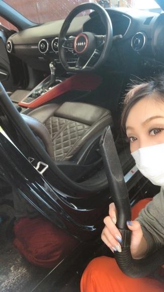 1月29日(水)本店ブログ♪ アウディ TT 29年車 ワンオーナー✊ 45000キロ人気の黒✊ 入庫しました _b0127002_18505371.jpg
