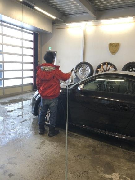 1月29日(水)本店ブログ♪ アウディ TT 29年車 ワンオーナー✊ 45000キロ人気の黒✊ 入庫しました _b0127002_18513779.jpg