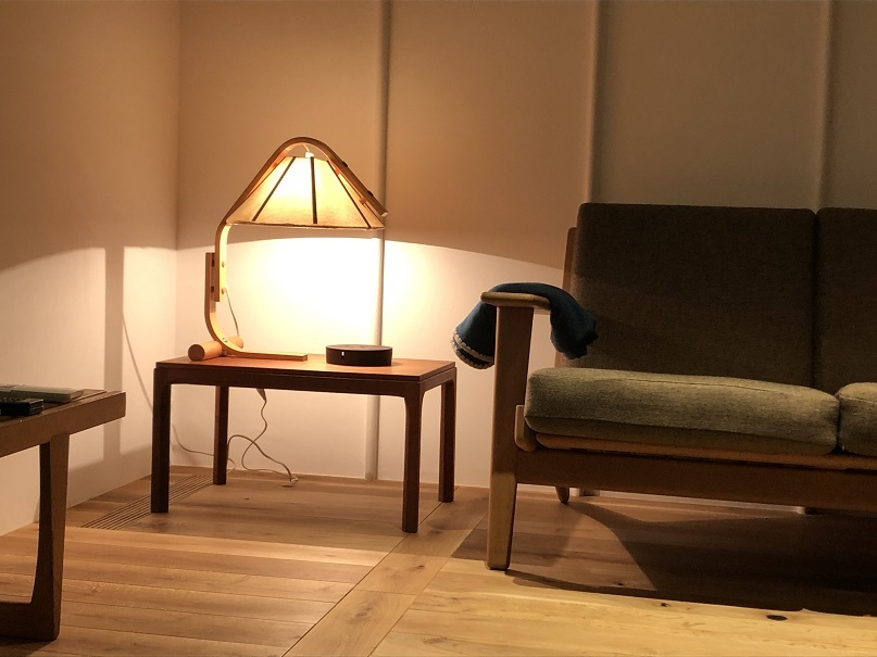 『Jan Wickelgren Desk Lamp』_c0211307_07242513.jpg