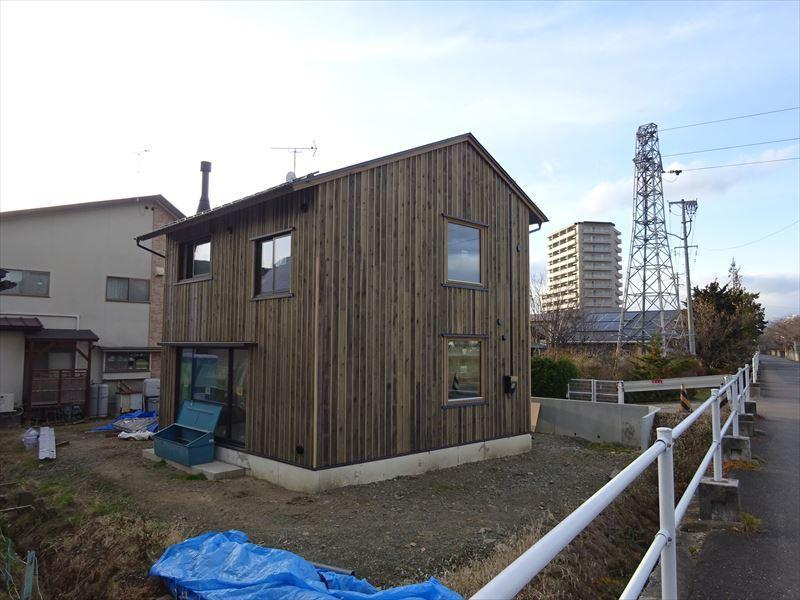 仙北町の家 仕上げの工程が進行中!_f0105112_04265925.jpg