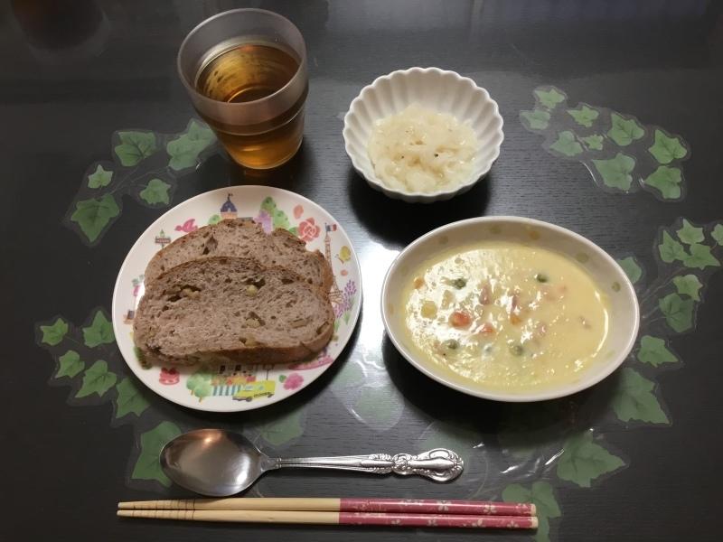 しらゆり荘 朝食 :  コーンクリーム煮、イタリアンサラダ、くるみパン_c0357519_07020379.jpeg