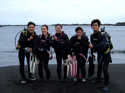 碧い海とカメに、大興奮の10人でした\(^o^)/_b0189640_11375031.jpg