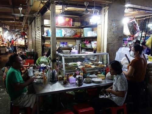 オルセーマーケット内の食堂で旨いクメールご飯を食べてきた_c0030645_16514461.jpg