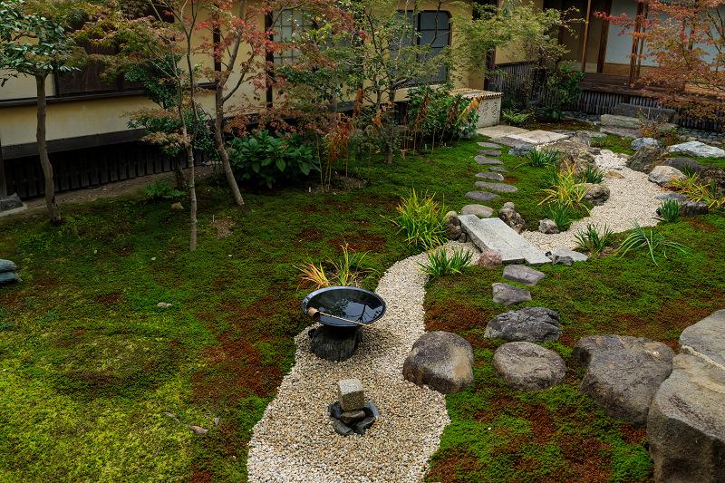 紅葉が彩る京都2019 秋色の妙顕寺_f0155048_2358381.jpg