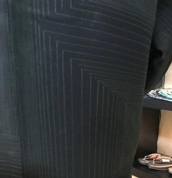 素敵な羽織姿でご来店のお客様・藤井絞、兎羽織新入荷。_f0181251_17154170.jpg