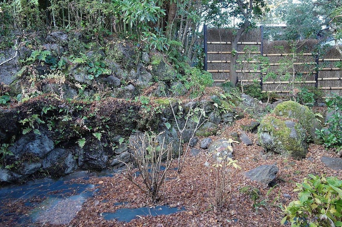 湯回廊 菊屋の庭_c0112559_08592097.jpg