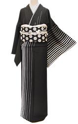 こんな風に着てみたい☆大人モダンな黒の着こなし_b0098077_15180287.jpg