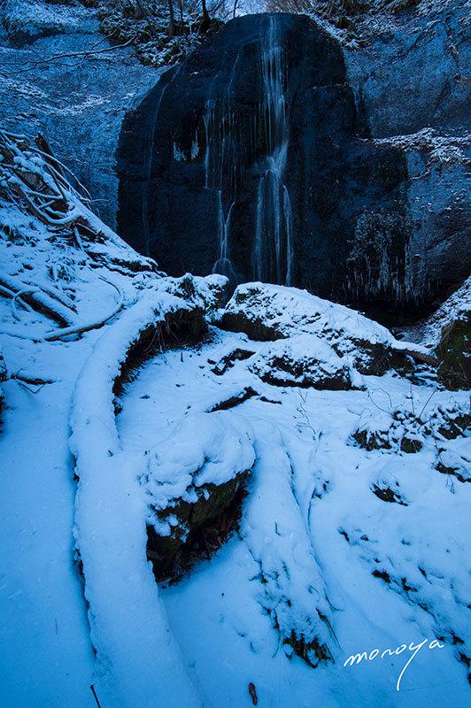 冬の滝_c0085877_06104082.jpg