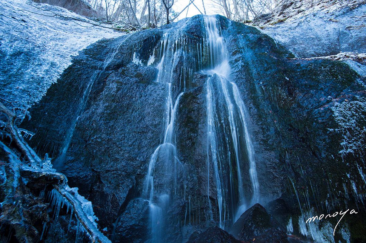 冬の滝_c0085877_06104705.jpg