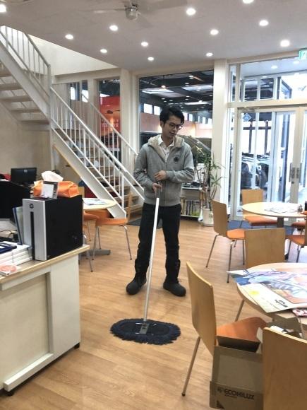 1月30日(木)本店ブログ★ ポルシェ パナメーラ あります✊_b0127002_16292314.jpg