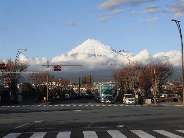 前日に続き晴天・雪化粧の富士山_f0141310_07585949.jpg