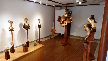 作業日誌(「石松豊秋彫刻展」作品搬入展示作業)_c0251346_16562607.jpg