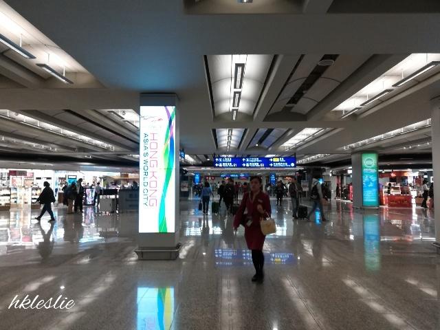 香港國際機場到着_b0248150_13245591.jpg