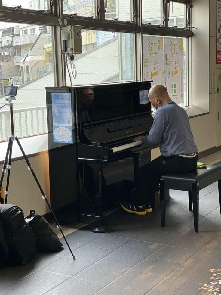 駅ピアノ_d0021969_17002204.jpg